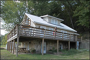 Horseshoe Bend cabin rental on the Ohio River