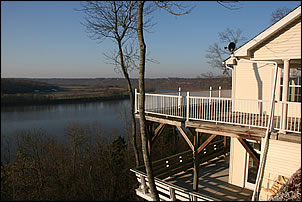 The Ohio River House Bed  Breakfast