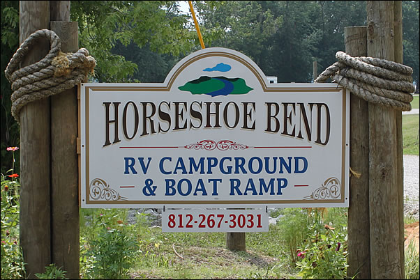 entrance sign to Horseshoe Bend RV Campground, Cabins & Boat Ramp