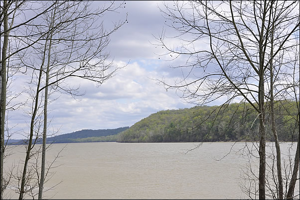 boat access to the Ohio River